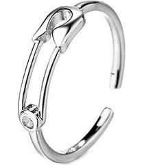 srebrny pierścionek agrafka