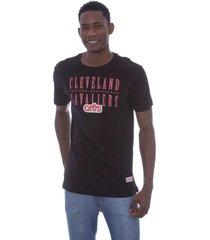 camiseta mitchell & ness defense cleveland cavaliers preta - preto - masculino - dafiti