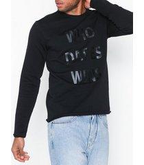 solid blaze sweat tröjor black