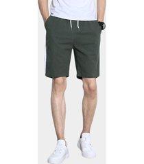pantalones cortos de hombre de cintura con cordón liso de rayas laterales de estilo casual de algodón verde militar