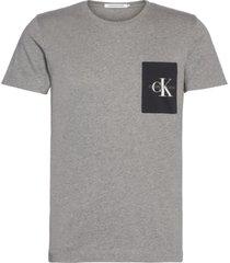 monogram pocket slim t-shirt gris calvin klein
