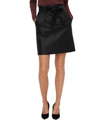 women's vero moda eva paperbag waist faux leather skirt, size large - black