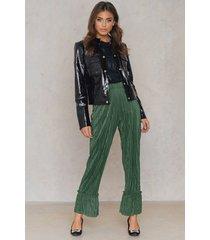 na-kd pleated frill pants - green