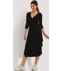 na-kd basic omlottklänning med knytning - black