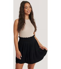 na-kd paper waist mini skirt - black