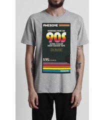 camiseta awesome 90's