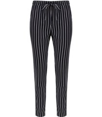 pantalón estampado con cordón color negro, talla 10