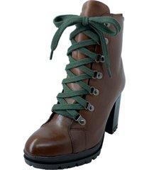 bota antonietta coturno couro cadarço verde chocolate marrom