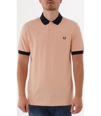 fred perry colour block polo shirt - apricot m5571-e63