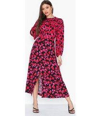closet split sleeve detail dress maxiklänningar