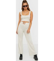 missguided ribbed button knitted crop top linnen