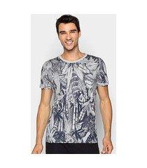 camiseta forum estampa tropical masculina
