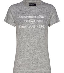 cozy logo tee t-shirts & tops short-sleeved grå abercrombie & fitch