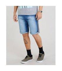 bermuda jeans masculina com cordão e faixa lateral azul médio