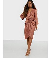closet pleated wrap dress fodralklänningar