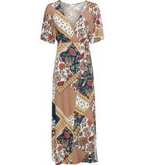trikåklänning med kimonoärmar