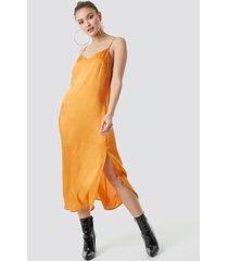 na-kd satin slip dress - orange