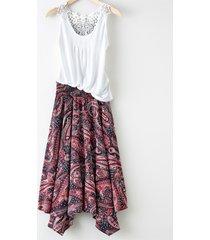 kjol med asymmetrisk nederkant
