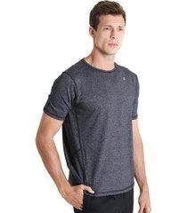 camiseta masculina com recortes frontais essencial - masculino