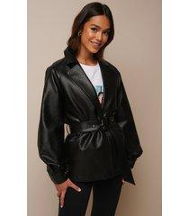 donnaromina x na-kd faux leather oversized blazer - black