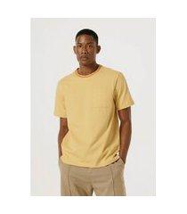camiseta hering unissex color block com bolso amarelo