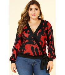 yoins plus tamaño rojo auto-corbata diseño camiseta estampada abstracta