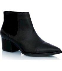 bota couro preto com elásticos