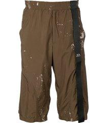 oakley by samuel ross knee-high cargo shorts - brown