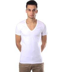hom classic t-shirt v-neck premium cotton model white