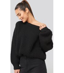 hannalicious x na-kd chunky knitted off shoulder sweater - black