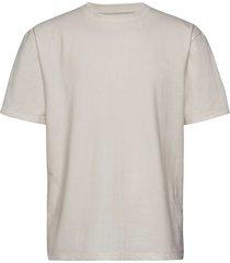 over tee s/s t-shirts short-sleeved vit lindbergh