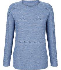 stickad tröja med flätmönster laura kent ljusblå