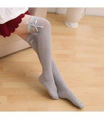 nastro di bowknot delle donne incrociate sopra i cosci del ginocchio calze traspiranti molli calze lunghe del caricamento del sistema