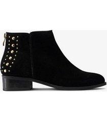 boots carol studs
