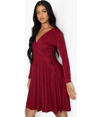 tall wikkel skater jurk met lange mouwen, wine
