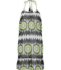 strandklänning med halterneckdesign