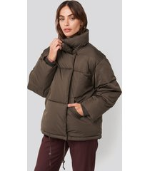 na-kd trend padded oversized jacket - brown