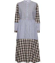 long dress w. mixed shirting colors knälång klänning blå coster copenhagen