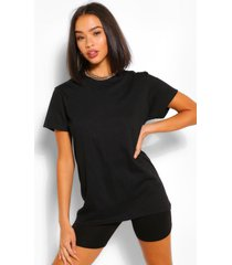 oversized t-shirt & cycling shorts co-ord