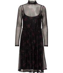 mesha dress ze1 17 knälång klänning svart gestuz