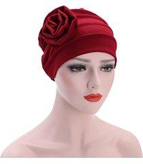 donna casual beanie caldo con fiore grande a lato turbante bandana