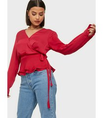 nly trend lovely wrap blouse festblusar