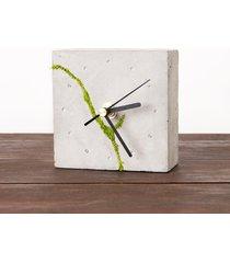kwadratowy zegar stołowy- jasny