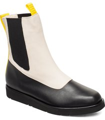 ursula leather shoes boots ankle boots ankle boot - flat creme flattered