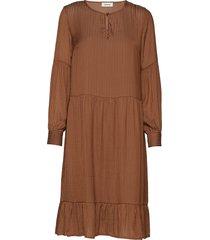 rich dress jurk knielengte bruin modström