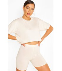 cropped t-shirt and shorts set, sand