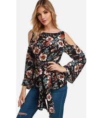 blusas con hombros descubiertos y estampado floral